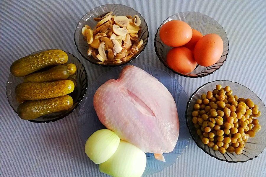 Ингредиенты для салата с курицей
