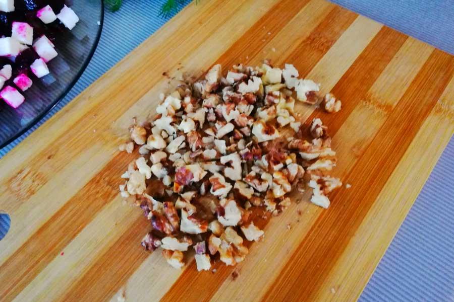 Режем орехи не мелко