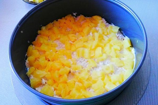 Второй слой это ананасы