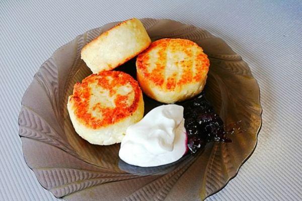 Домашние сырники из творога. Просто шикарный завтрак