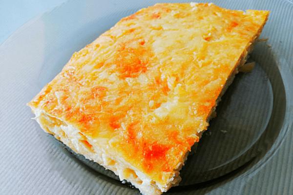 Заливной пирог с кабачками, сыром и куриным филе
